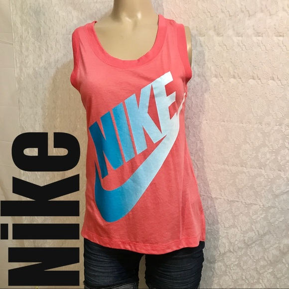 huge selection of de101 eebf4 NWT Nike Women s Sportswear Essential Tank Top